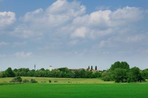 Friedrichshof aus der Entfernung
